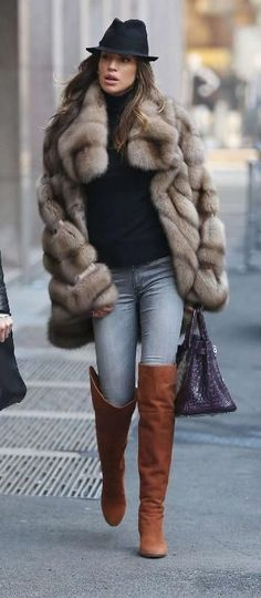 Sable And Boots :: Russian Siberian Sable fur P. simple quest for everyone) Why did Bill die? Street Looks, Street Style, Winter Wear, Autumn Winter Fashion, Fur Fashion, Fashion Outfits, Fashion Tips, Sporty Fashion, Fashion Women
