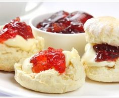 Devonshire tea which is scones with strawberry jam and clotted cream. Clotted Cream, Recipes Using Fruit, Healthy Dessert Recipes, Desserts, American Scones Recipe, Sour Cream, British Scones, Pumpkin Pie Recipes, Scone Recipes