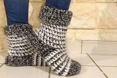 Du Fil et Des Aiguilles: Chaussettes faciles pour l'hiver Slipper Socks, Slippers, Leg Warmers, Tutu, Knit Crochet, Lily, Knitting, Inspiration, Decor Ideas