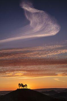 Sunset over Comer Hill in Dorset | England by Finn Hopson.