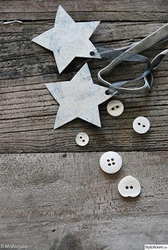 I'm thinking tin flashing + ribbon = perfect holiday decoration!