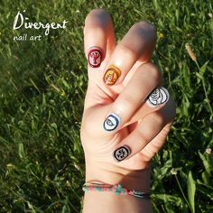 This makes me wish I had any talent for nails whatsoever