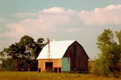 Photo by Ashley Lee - An old barn in Economy, Indiana
