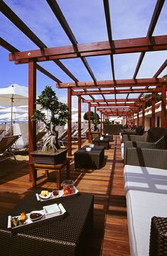 beach restaurant at the Hotel Martinez Cannes in France
