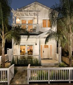 """Perfect white cottage. Also head to the blog for some """"new to @nordstrom picks"""". Have a great night! Image via Houzz"""