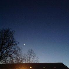 #Niort by night #cielfie bien dégagé jusque derrière les oreilles #nofilter #bleu #blue #instasky #instablue #sky #ciel #skyporn