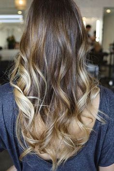 her hair hair! brunette ombre hair by ugg-off hair style Ombré Hair, Hair Day, New Hair, Your Hair, Curls Hair, Brunette With Caramel Highlights, Ombre Highlights, Carmel Highlights, Chunky Highlights