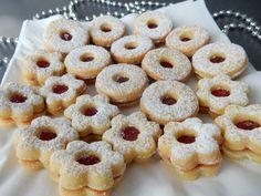 Linecké cukroví Yummy Cookies, Christmas Cookies, Cookie Recipes, Dessert Recipes, Desserts, Czech Recipes, Christmas Baking, Sweet Recipes, Sweet Tooth