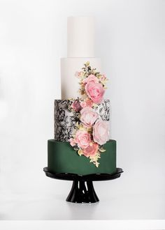 great idea, but the bottom tier would be the color of my bridesmaids dresses. Add a bold statement to your wedding cake with a dark green design wedding cake paired with floral detailing. Beautiful Wedding Cakes, Gorgeous Cakes, Pretty Cakes, Amazing Cakes, Cake San Diego, Bolo Floral, Green Cake, Wedding Cake Inspiration, Occasion Cakes