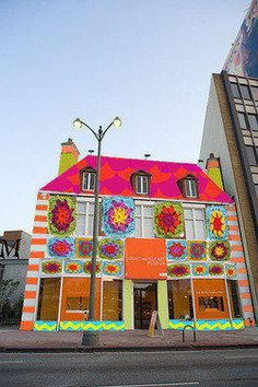 Yarn Bombing Los Angeles to cover craft museum in granny squares - latimes.com