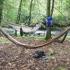 This is the life just hanging! #hammocklife #hammock #hammocking #riverside #singledouthammock #appalachiantrail #hiking #hike #adventure #rainforest by @outgearrec