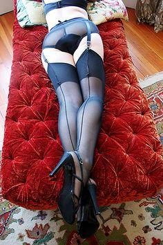 Dollhouse Bettie Retro Classic Seamed Eternity Stockings