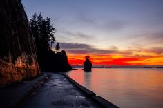 siwash rock sunset - Yes the sky really was this colour and Ok so i got lost in the trails in the dark in the hills with no lamp so it took awhile to find my way to a road and out of Vancouver's Stanley Park but it was worth it to get some winter sunset shots at Siwash Rock at sunset.