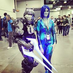 Pin for Later: 60 Costume Ideas For Couples Who Love to Geek Out Together Master Chief and Cortana — Halo