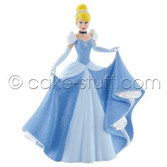 This lovely Cinderella figurine is perfect as a cake decoration for a girl's birthday. Get your little princess ready for the ball! • Bullyland figures are high quality figurines with exceptional details and are hand painted so that the characters are Disney Rapunzel, Walt Disney Cinderella, Cinderella Birthday, Cinderella Cakes, Figurine Disney, Figurine Star Wars, Disney Cake Toppers, Disney Cakes, Disney Collectibles