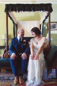Foxglove By Jenny Packham For A 1920s Inspired Wedding. Photography by www.babbphoto.com