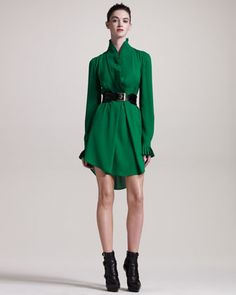 Knife-Pleated Tunic & Roller Belt by Alexander McQueen: Neiman Marcus Fashion Tv, High Fashion, Fashion Outfits, Fashion Design, Green Fashion, Alexander Mcqueen Dresses, Passion For Fashion, Fashion Forward, Evening Dresses