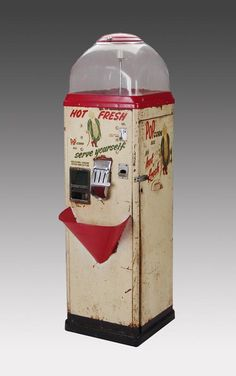 Vintage Sez 10 cent 'Pop' Corn Vending Machine Circa 1949