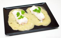 Merluza en salsa verde How To Cook Fish, New Menu, Fish And Seafood, Food Photo, Tapas, Mashed Potatoes, Eggs, Favorite Recipes, Food And Drink