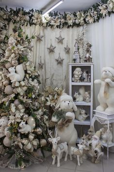 1 million+ Stunning Free Images to Use Anywhere Christmas Swags, Woodland Christmas, Silver Christmas, Elegant Christmas, Christmas Wedding, Christmas Home, Christmas Holidays, Days Before Christmas, All Things Christmas