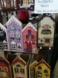 3ºQuilt Craft Show em Curitiba What a cute idea for saving craft books or kids drawings!  Love it