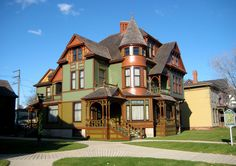 https://flic.kr/p/5Cqyvz   Hume House   The neighbor of the Hackley House. The house was built at the same time as it's neighbor. It was the home of Thomas Hume another 19th century lumber baron and partner of Charles Hackley  Muskegon, Michigan