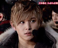 山田涼介 Jumping Gif, Ryosuke Yamada, How To Look Handsome, Japanese Men, Lil Baby, Gifs, Cute Guys, Boy Bands, Eye Candy