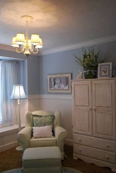 I like the waynes coating in this baby room.