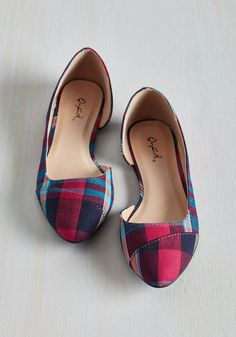 Whether you're making a quiet entry into a meeting or tappin' along to your favorite tune on the radio, these fab flats have got you covered on panache. Boasting a magenta, navy, and turquoise plaid pattern, these d'Orsay slip-ons are prepped to make a statement about your style, no matter the occasion!