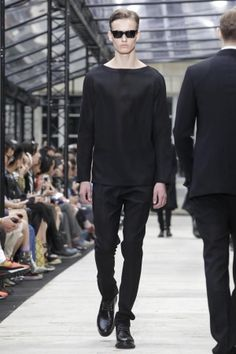 Cerruti Menswear Spring Summer 2014 Paris Fashion Show - More on http://nwf.sh/124s9Uf