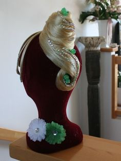 Christmas Ornaments, Holiday Decor, Home Decor, Hair Colors, Decoration Home, Room Decor, Christmas Jewelry, Christmas Decorations, Home Interior Design
