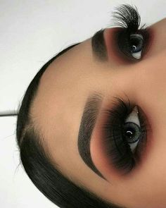 makeup goals Beautiful fall makeup looks, stunning and dramatic for different day and mood. Here are some ideas to get your fall makeup trends lovely Glam Makeup, Skin Makeup, Makeup Inspo, Eyeshadow Makeup, Makeup Inspiration, Beauty Makeup, Makeup Ideas, Huda Beauty, Edgy Eye Makeup