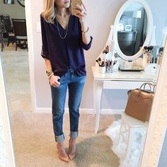 What I wore to dinner tonight to celebrate closing on our new house today We are so excited! Ps my top and jeans are part of the #nsale. This tunic is a favorite basic of mine. I also have it in white @liketoknow.it www.liketk.it/1Dacc #liketkit #ootn #basics #nordstrom #wiw #friyay #tgif seriously thank you all so much for the nice comments