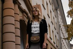 Round Metal Glasses Steingasse 14 Feminism Statement Shirt Checked Midi Skirt karierter Rock Bleistiftrock Garrett Leigh Glasses Modeblog Heidelberg Fashionblogger Sariety-7