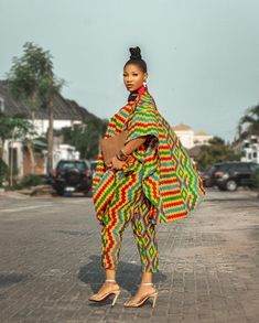 African Print Pants, African Print Dress Designs, Latest African Fashion Dresses, African Dresses For Women, Ladies Pants, Pants For Women, Traditional African Clothing, Two Piece Pants Set, Africa Fashion