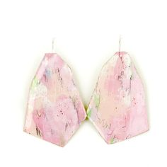 Painted brass earrings by Johanne Ratté 2017 @lesjoanneries #pinkjewelry #pinkearrings #contemporaryjewelry