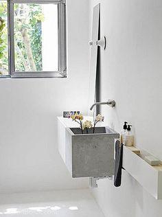 stone-sink-1.jpg | Danielle de Lange | Flickr
