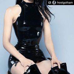 #Repost @frostgotham with @repostapp ・・・ #me #photoshoot #photography #latex #latexfetish #latextop #latexskirt #shiny #rubber #⚫️ #dominatrix #femdomme #blacklatex #latexfashion #latexmodel #thighhighboots #fetish #bdsm #latexphotography