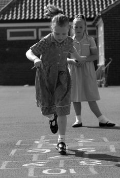 HOPSCOTCH - I remember watching (from the safety of the boys handball courts) the girls at my primary school play this game day after day and wondering how the heck it worked. Photo Vintage, Vintage Photos, Great Memories, Childhood Memories, 1970s Childhood, Childhood Games, Hopscotch, Vintage School, The Good Old Days