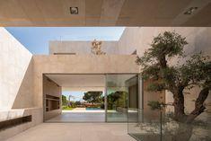 Gallery of M3 House / OLARQ Osvaldo Luppi Architects - 9