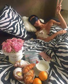 Morning Papers, Breakfast In Bed, Breakfast Recipes, Breakfast Ideas, Relax, Pretty, Painting, Random, Style