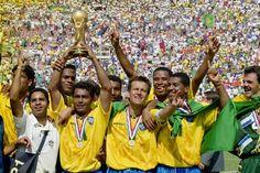 História dos uniformes: conquista carimbada na Copa de 1994