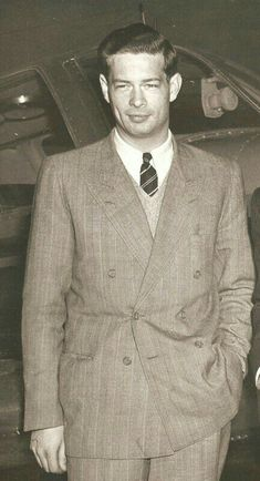Michael I Of Romania, Romanian Royal Family, Life Motto, George Vi, Blue Bloods, Royal House, 80s Fashion, Royalty, Suit Jacket