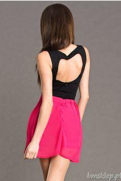 Rozkloszowana sukienka z wyciętym sercem na plecach.... #Sukienki - http://bmsklep.pl/emamoda-sukienka-z-sercem-na-plecach-czarny-fuksja-4608-10-sukienki