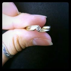 White gold ring size 7 Beautiful band with single diamond Jewelry Rings