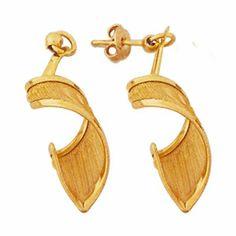 Pendientes torbellino - G22132 12,00€  Pendiente largo forma torbellino, gold filled. Dimensiones: largo 4,50 cm, peso 1,8 gr.