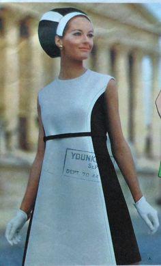Vintage 60's Vogue Couturier Design SIMONETTA Dress Sewing Pattern