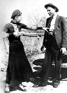 """This here's Miss Bonnie Parker. I'm Clyde Barrow. We rob banks."" ~Chasing Bonnie Clyde It was Texas Lawmen that brought them down! Bonnie Parker, Bonnie Clyde, Bonnie And Clyde Tattoo, Bonnie And Clyde Death, Rare Photos, Vintage Photographs, Iconic Photos, Old Pictures, Old Photos"