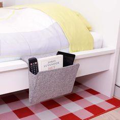 Bett-Tasche von Kikkerland jetzt im design3000.de Shop kaufen! Hach, wie schön gemütlich ist es doch im eigenen Bett! Da kann man eingekuschelt...