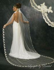 Symphony Bridal Veil 3137VL  So pretty